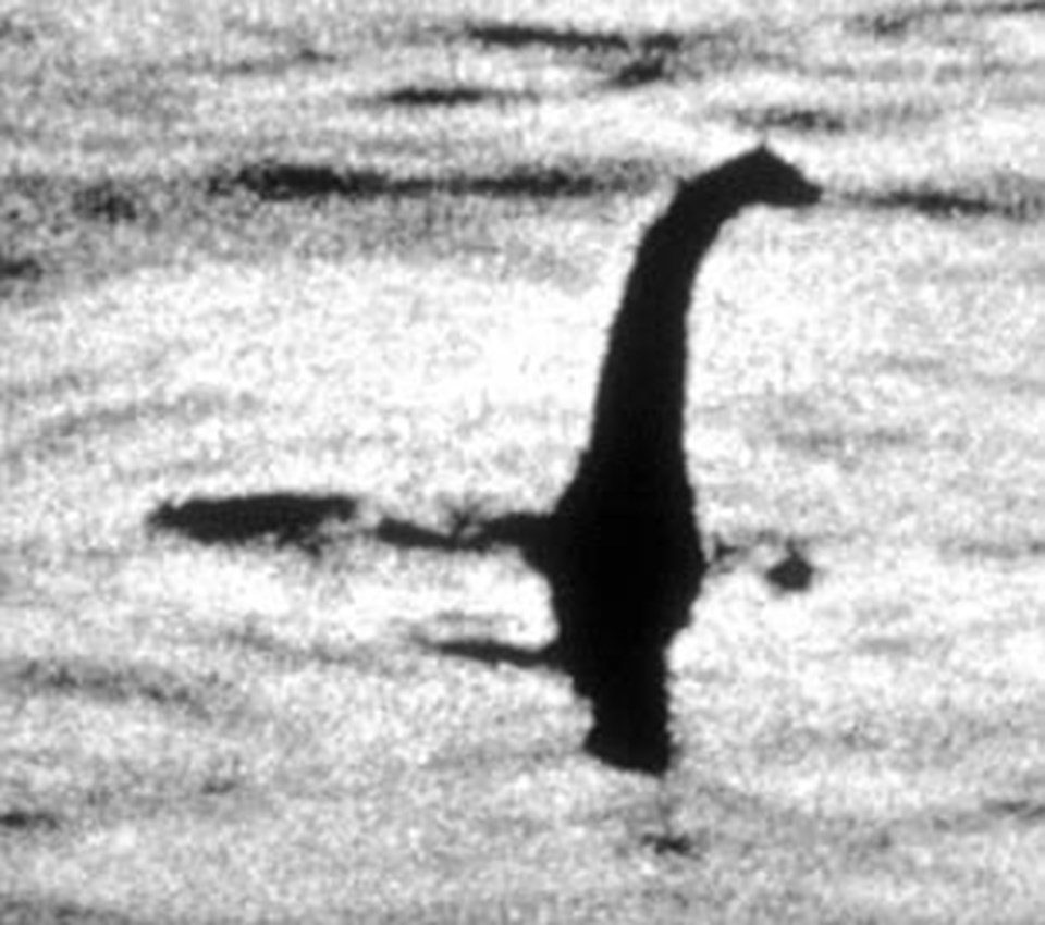 1934'te ortaya çıkan bu fotoğraf, 'Loch Ness' ve göl canavarı efsanesini başlatmıştı.