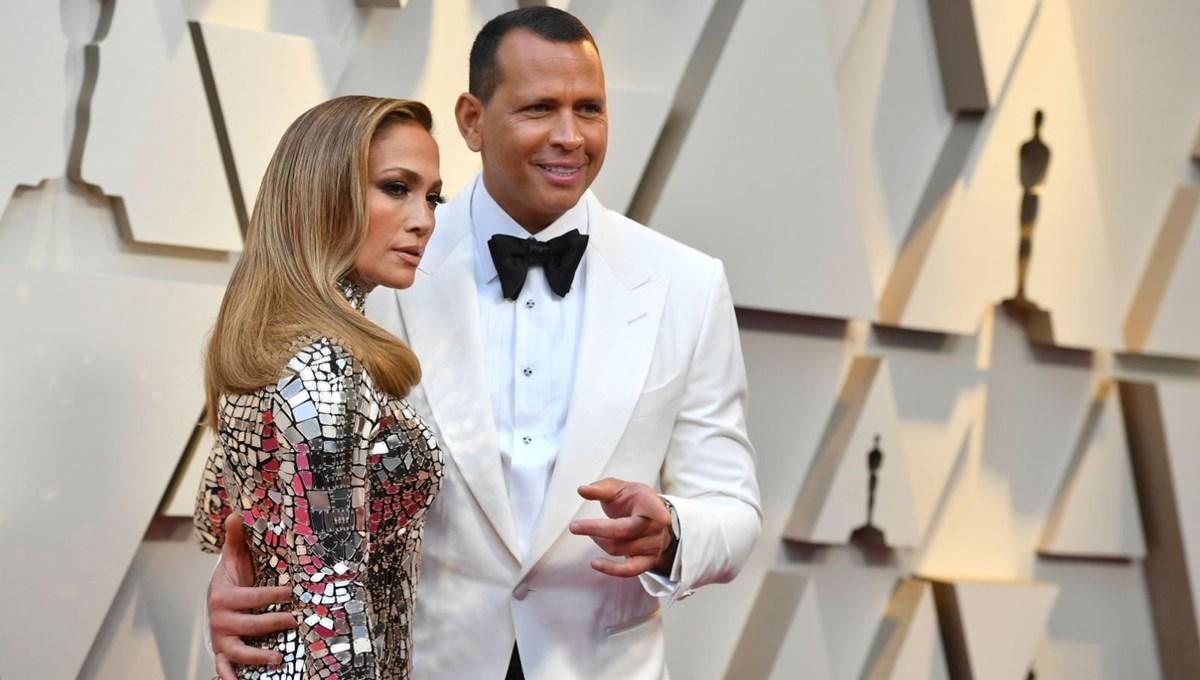 Jennifer Lopez nişan yüzüğünü geri vermedi