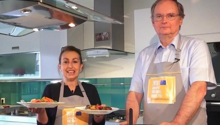 """Christian Berger ve eşi güveç pişirirse... (""""Büyükelçi Komşum Olur"""")"""
