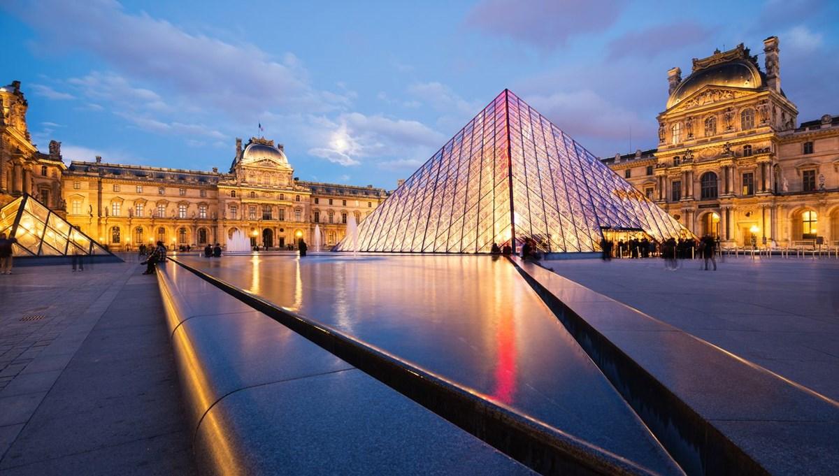 228 yıllık tarihinde ilk: Louvre'a kadın müdür atandı
