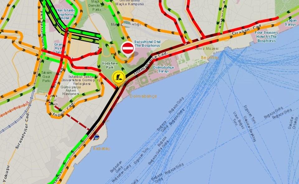 Çalışma nedeniyle bölgede trafik yoğunluğu yaşanıyor.