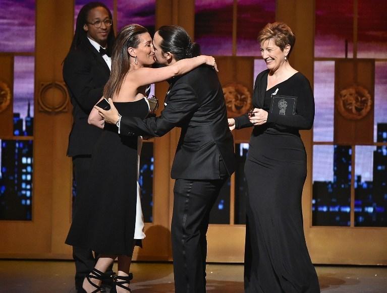 """Lin-Manuel Miranda, """"Hamilton"""" ile En İyi Müzikal Senaryosu ödülünüaldı."""