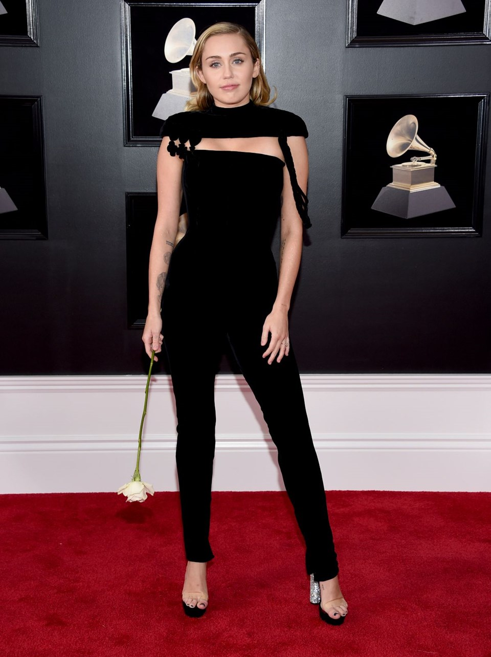 2018 Grammy Ödül Töreni, kırmızı halı, miley cyrus