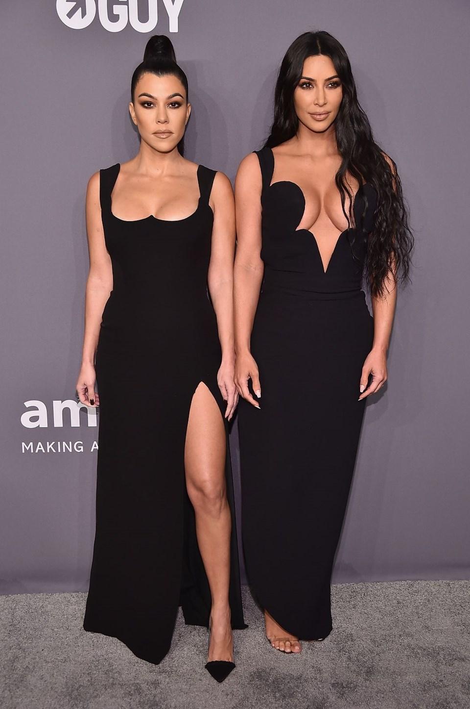 Kourtney Kardashian ve Kim Kardashian