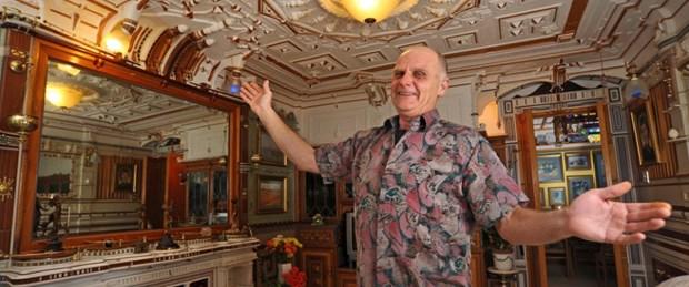 23 yıl çalıştı evini Versailles Sarayı'na çevirdi