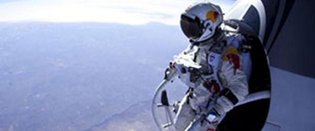 37 bin metreden rekor denemesi