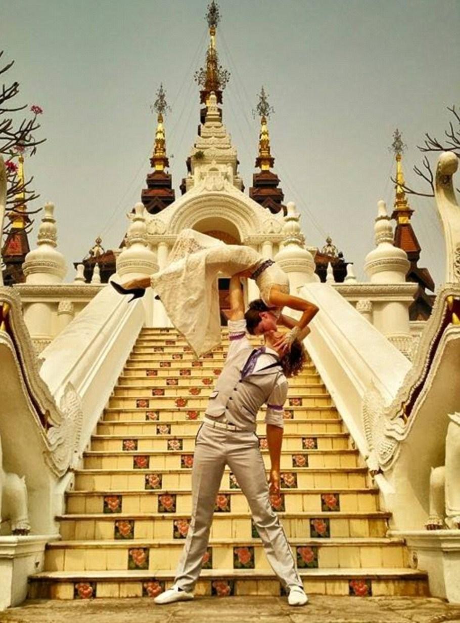Şu anda taylan'da bulunan çift, düğün fotoğraflarını sosyal medya hesaplarından paylaşıyor.