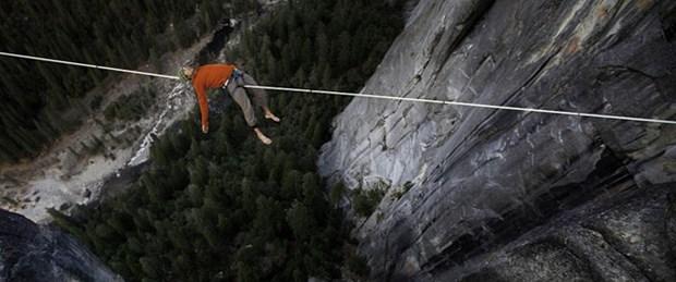 600 metrede ip üstünde uyudu