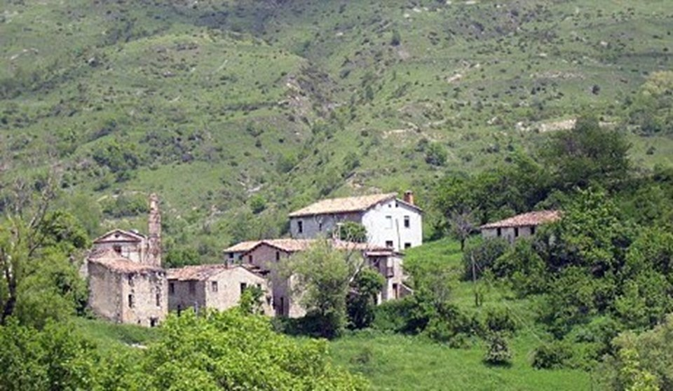 Tarihi köyde 11 tane taş bina var.