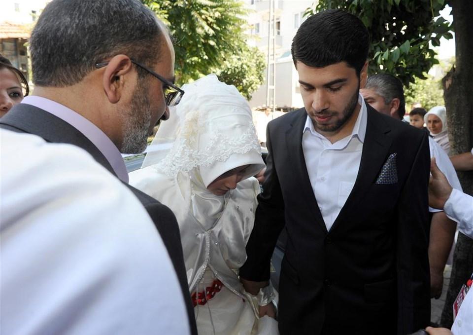 Ahmedinejad'a Türk gelin