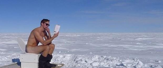 Alexander Skarsgard Güney Kutbu'nda çıplak