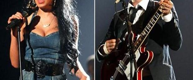 'Amy Winehouse'a hala aşığım'