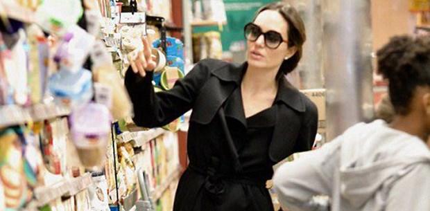 Angelina Jolie'nin alışverişte