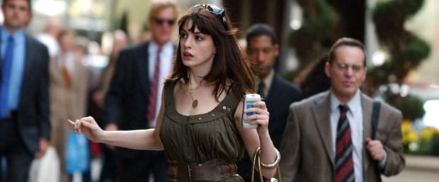 Anne Hathaway: Sosyal medyayı bıçak gibi oğlumdan uzak tutuyorum