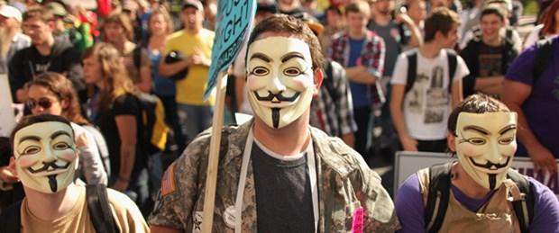 'Anonymous' maskesi yasaklandı