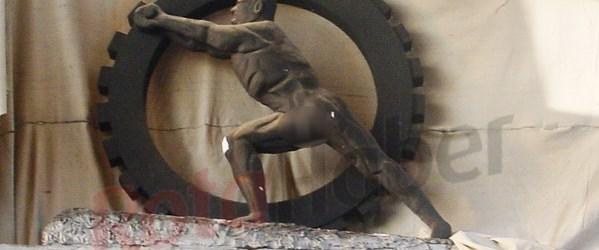 Atatürk'ün 77 yıldır saklanan heykeli