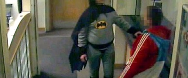 Batman karakola teslim etti