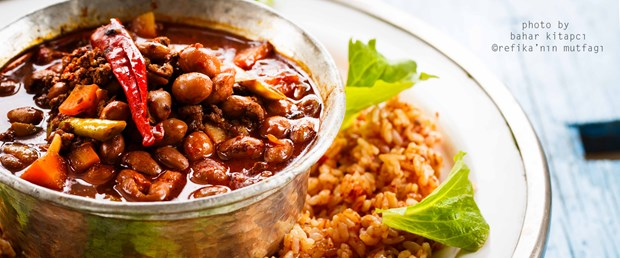 Gazete-048 Refika'ca Chili Con Carne_En Hizli Domatesli Pilav