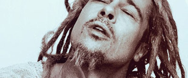 Brad Pitt'ten Bob Marley pozu