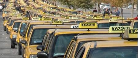 Bu takside iş için gerekli her şey var