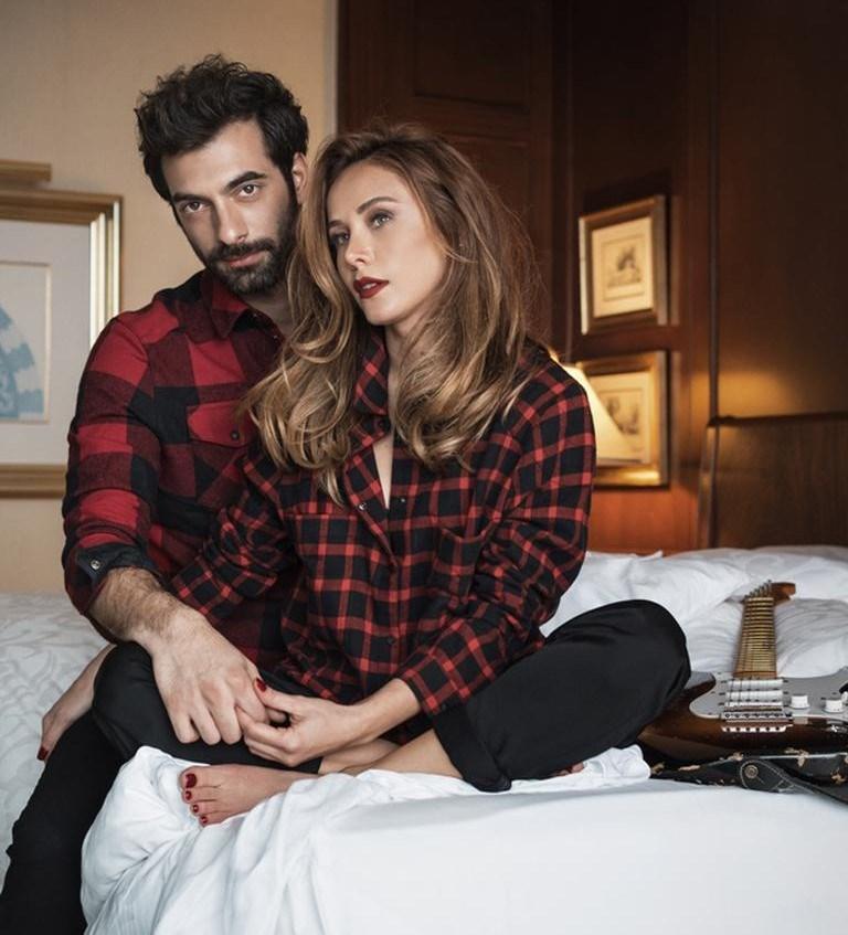 İlker Kaleli ile aşk yaşamaya devam eden Terzioğlu, geçtiğimiz günlerde final yapanPoyraz Karayel dizisinde sevgilisiyle başrolü paylaşıyordu.