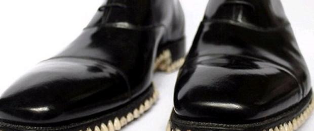 Cadılar Bayramı'na özel 'dişli ayakkabı'