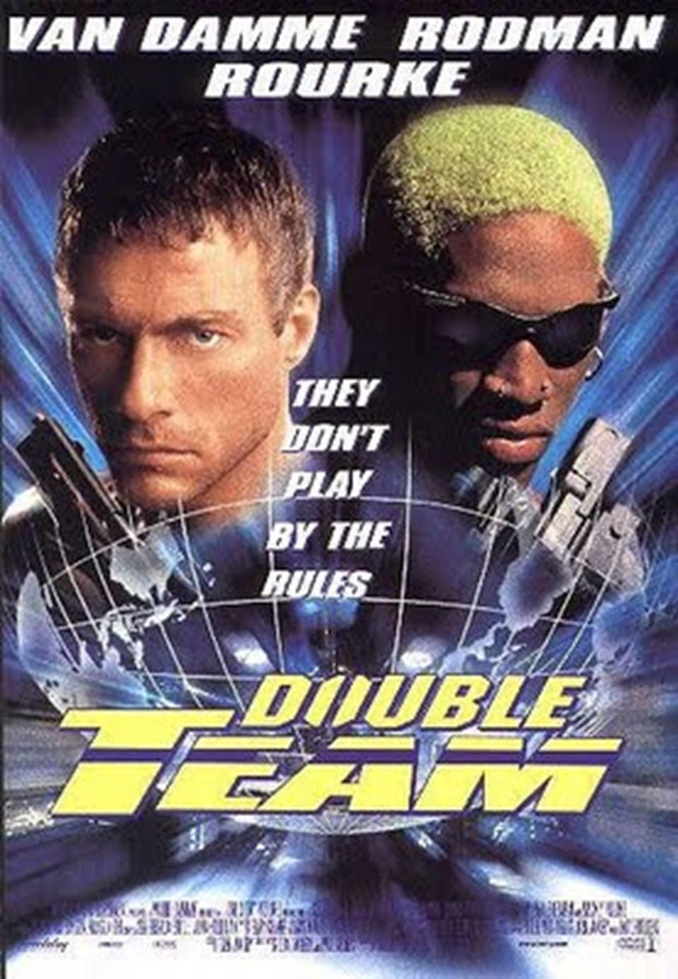 Rodman'ın Van Damme'la birlikte başrolü paylaştığı Double Team filminin afişi.