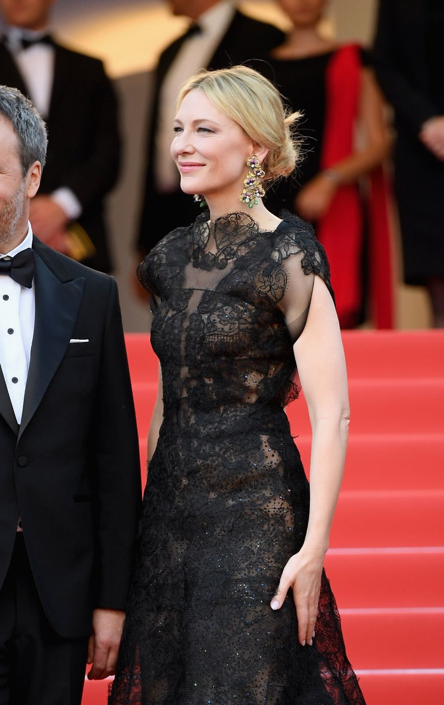 Cate Blanchett'in Cannes kıyafeti bilinçli bir tercih