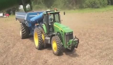 Çiftçinin pabucu dama: Robot traktör
