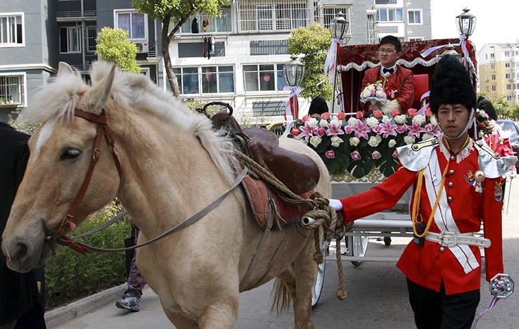 Çinlilerden 'çakma' kraliyet düğünü