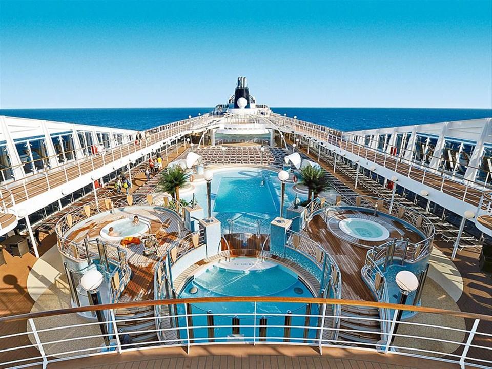 Cruise tatilinin büyüsüne davetlisiniz