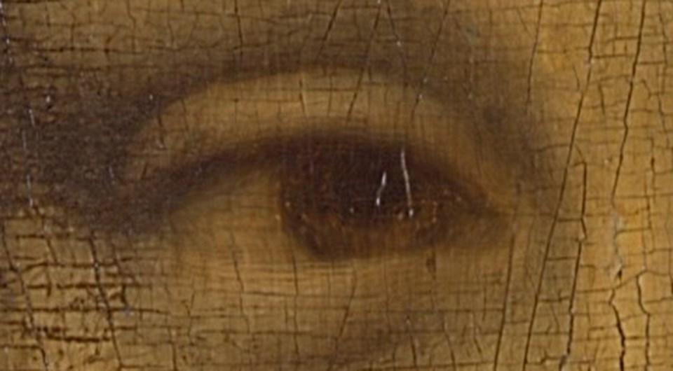 Mona Lisa'nın sağ göz bebeğinde 'L' ve 'V' harfleri gizlenmiş.