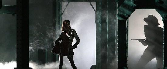 Dior'dan kara film tadında defile