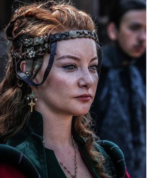 Maria karakterini 24 yaşındaki Sedef Şahin canlandırıyordu.