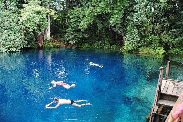 Vanuatu - Nanda Blue Hole