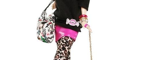 Dövmeli ilk Barbie