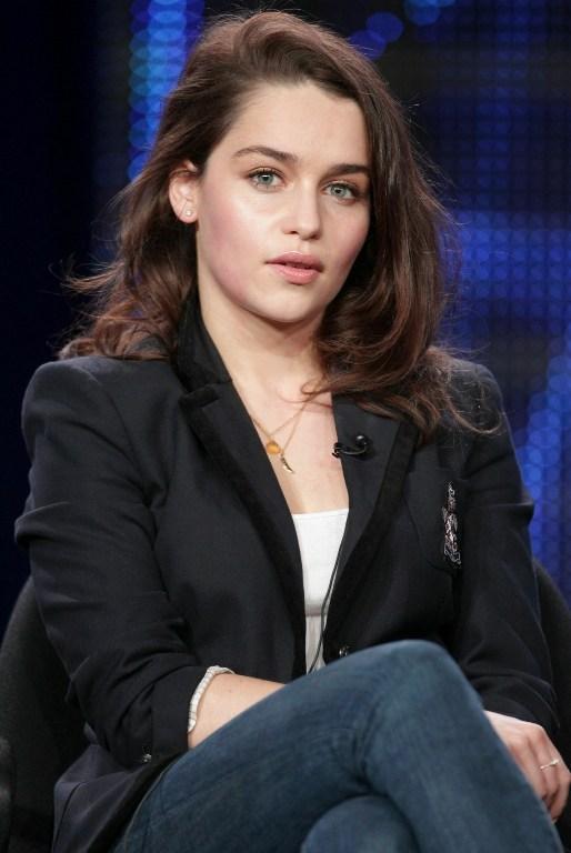 Emilia Clarkeın Khaleesi Erkek Hayranlarıyla Imtihanı 1 Ntv