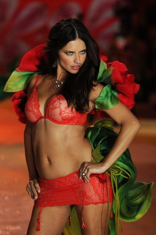 3-Adriana Lima