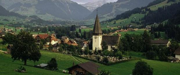 En mutlu insanlar İsviçre'de