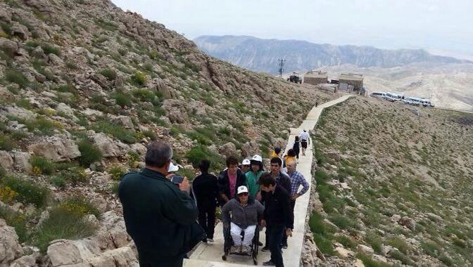 Engelliler Nemrut Dağı'nın zirvesinde
