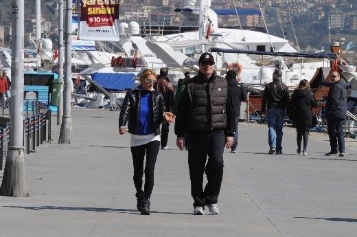 Ergin Ataman ile yaşam koçu Şeyda Coşkun, İstanbul Bebek'te her sabah birlikte yürüyüş yaptıkları halde, o dönem gizli ilişkileri varmış gibi lanse edilip otel görüntüleriyle bazı gazetelere haber olmuştu.