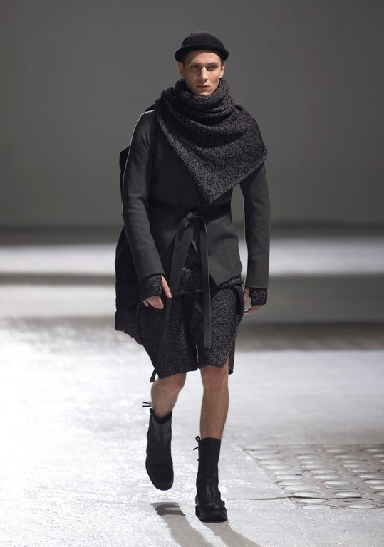 Erkekler kışın da şort giyecek