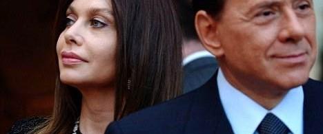 Eşi, Berlusconi'nin güzel kızlara ilgisine öfkeli