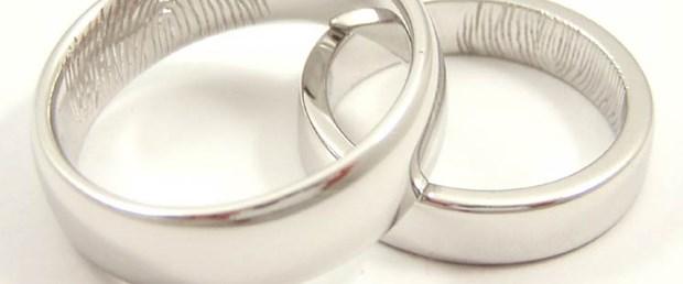 Evlilik şakası yapan gençler karı koca ilan edildi
