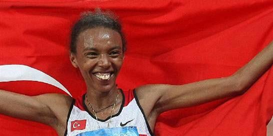 Avrupa Atletizm Şampiyonası'nda ülkemizi 10 bin metre kadınlar yarışında temsil eden Elvan Abeylegesse, altın madalyanın sahibi oldu.