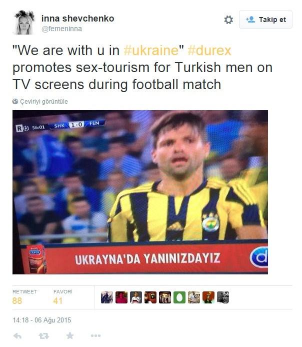 """FEMEN LideriInna Shevchenko, tweet'inde""""Ukrayna'da yanınızdayız"""" mesajının, maçı ekranları başında takip eden Türk erkeklerine Ukrayna'daki seks turizmini öne çıkarmak için yayınlandığını iddia etti."""