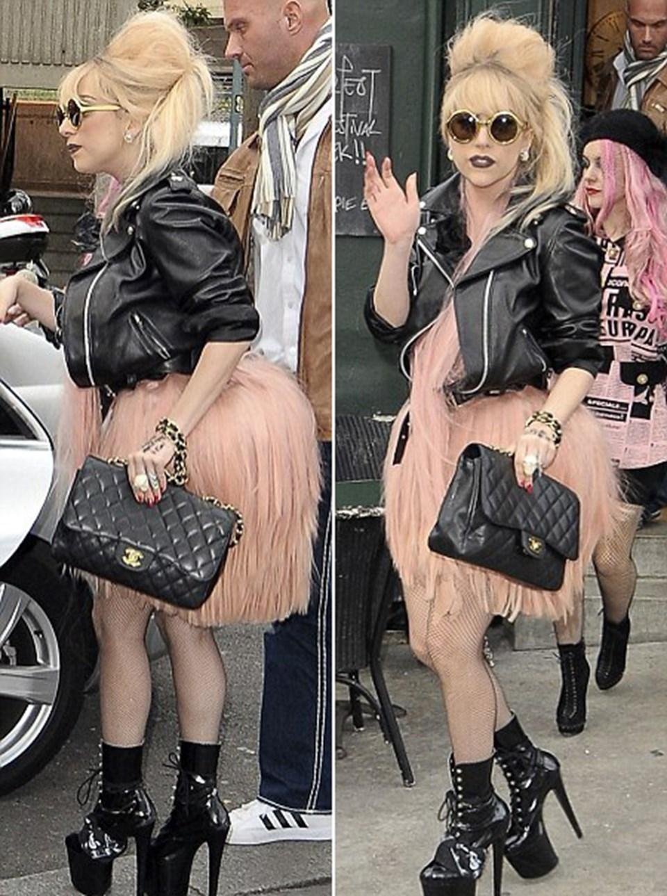 Dengede durma sanatı: Gaga apartman topukları üzerinde