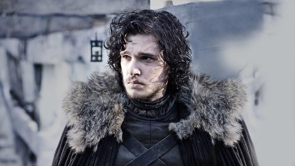 Jon Snow'u canlandıran 28 yaşındaki İngiliz oyuncu Kit Harington'ın ölüp ölmediği bir süredir en merak edilen soruların başında geliyor.