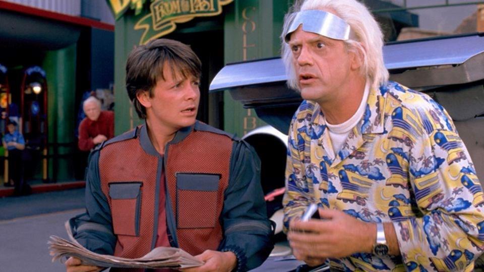 Filmin kahramanları Marty Mcfly (Michael J. Fox) ve Emmet Brown (Christopher Lloyd)