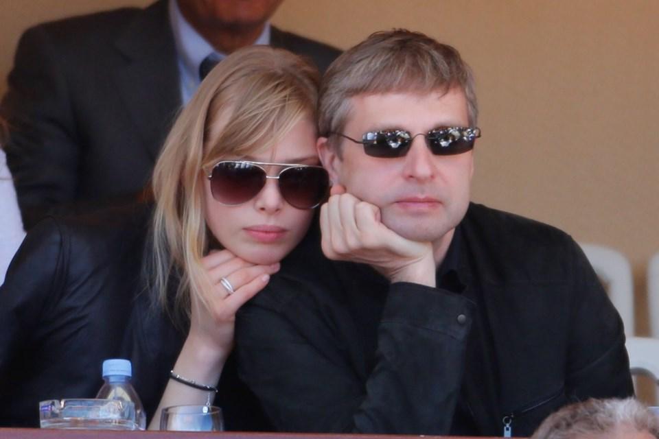 7. Dmitry Rybolovlev ve Elena Rybolovlev2014 - 604 milyon dolar